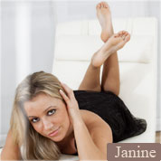 Allyoucanfeet model Janine profile picture