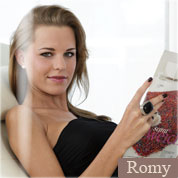 Allyoucanfeet model Romy profile picture