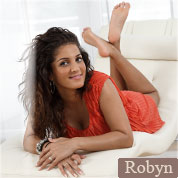 Allyoucanfeet model Robyn profile picture