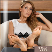 Allyoucanfeet model Vivi profile picture