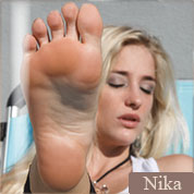 Allyoucanfeet model Nika profile picture