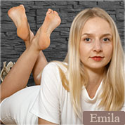 Allyoucanfeet model Emilia profile picture