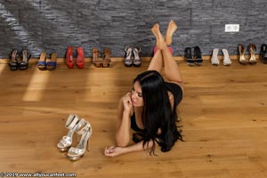 small preview pic number 100 from set 2531 showing Allyoucanfeet model Marcie