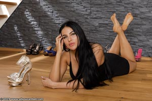 small preview pic number 101 from set 2531 showing Allyoucanfeet model Marcie