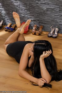 small preview pic number 124 from set 2531 showing Allyoucanfeet model Marcie