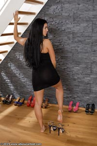 small preview pic number 29 from set 2531 showing Allyoucanfeet model Marcie
