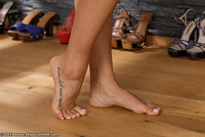 small preview pic number 34 from set 2531 showing Allyoucanfeet model Marcie