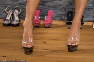 small preview pic number 52 from set 2531 showing Allyoucanfeet model Marcie