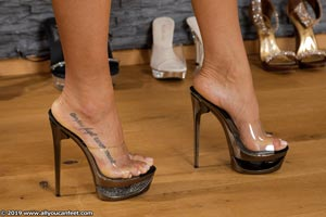 small preview pic number 55 from set 2531 showing Allyoucanfeet model Marcie