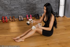 small preview pic number 73 from set 2531 showing Allyoucanfeet model Marcie