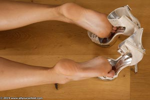 small preview pic number 86 from set 2531 showing Allyoucanfeet model Marcie