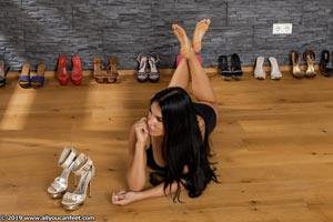 small preview pic number 99 from set 2531 showing Allyoucanfeet model Marcie
