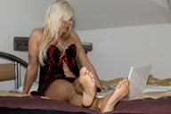 small preview pic number 4 from set 1009 showing Allyoucanfeet model Luna