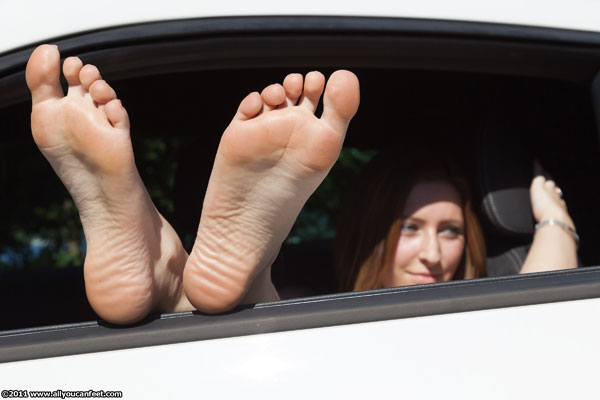 bigger preview pic from set 1150 showing Allyoucanfeet model Carmelina - New Model