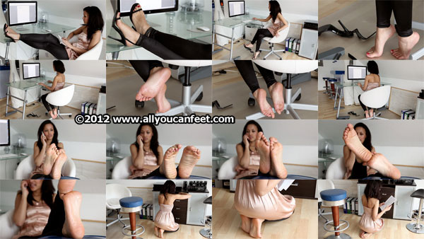 bigger preview pic from set 1168 showing Allyoucanfeet model Alice