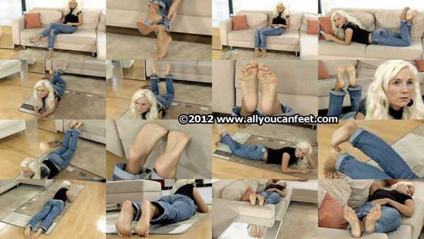 bigger preview pic from set 1175 showing Allyoucanfeet model Tini