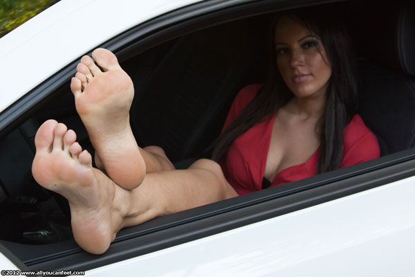 bigger preview pic from set 1298 showing Allyoucanfeet model Sandy
