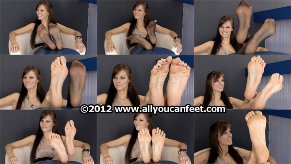 bigger preview pic from set 1314 showing Allyoucanfeet model Joyce
