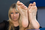 small preview pic number 4 from set 1525 showing Allyoucanfeet model Tina