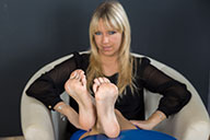 small preview pic number 5 from set 1525 showing Allyoucanfeet model Tina