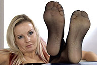 small preview pic number 1 from set 1670 showing Allyoucanfeet model Aileen