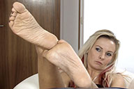 small preview pic number 6 from set 1670 showing Allyoucanfeet model Aileen
