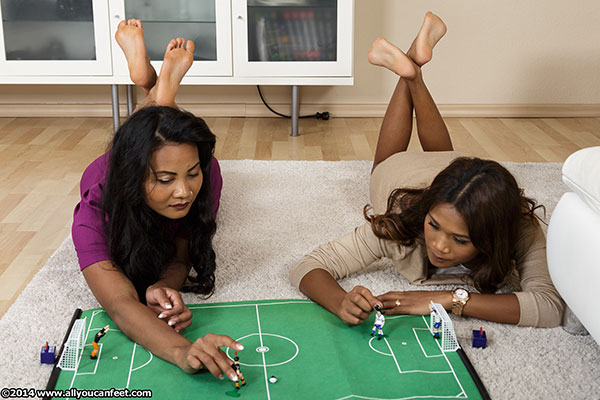 bigger preview pic from set 1679 showing Allyoucanfeet model Cataleya