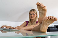 small preview pic number 4 from set 1683 showing Allyoucanfeet model Lia