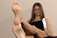 small preview pic number 4 from set 1689 showing Allyoucanfeet model Agnes