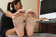 small preview pic number 4 from set 1705 showing Allyoucanfeet model Ciara
