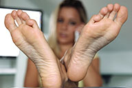 small preview pic number 6 from set 1722 showing Allyoucanfeet model Janine
