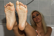 small preview pic number 2 from set 1817 showing Allyoucanfeet model Eva