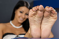 small preview pic number 4 from set 1869 showing Allyoucanfeet model Victoria