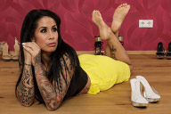 small preview pic number 2 from set 1876 showing Allyoucanfeet model Snooki