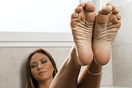 small preview pic number 2 from set 1925 showing Allyoucanfeet model Natalia