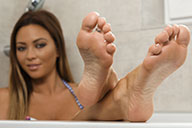 small preview pic number 3 from set 1925 showing Allyoucanfeet model Natalia