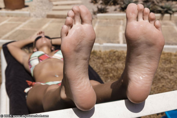 bigger preview pic from set 1937 showing Allyoucanfeet model Cathy