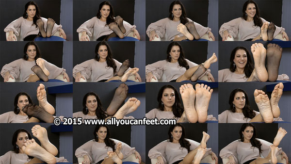 bigger preview pic from set 1947 showing Allyoucanfeet model Mel