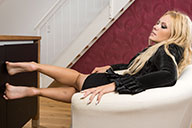 small preview pic number 6 from set 1986 showing Allyoucanfeet model Isa