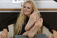 small preview pic number 6 from set 1987 showing Allyoucanfeet model Isa