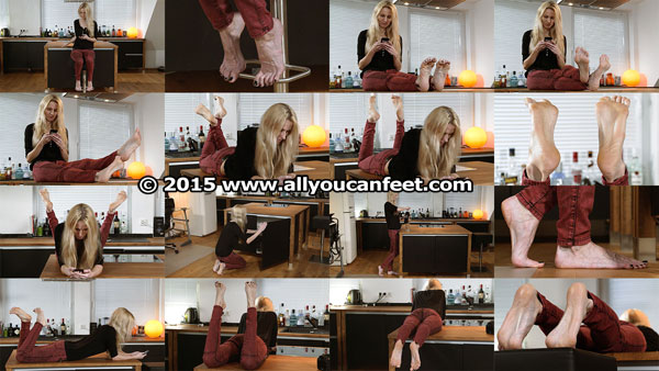 bigger preview pic from set 2028 showing Allyoucanfeet model Joyce