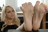 small preview pic number 6 from set 2030 showing Allyoucanfeet model Serena