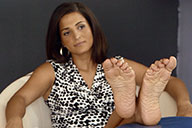 small preview pic number 5 from set 2111 showing Allyoucanfeet model Robyn