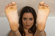 small preview pic number 1 from set 2270 showing Allyoucanfeet model Leoni