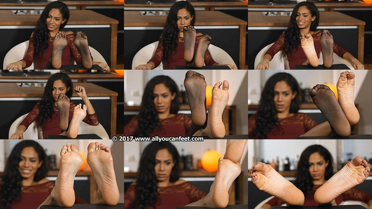 big preview pic from set 2306 showing Allyoucanfeet model Amy