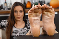small preview pic number 4 from set 2368 showing Allyoucanfeet model Leoni