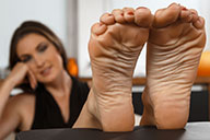 small preview pic number 4 from set 2376 showing Allyoucanfeet model Avery