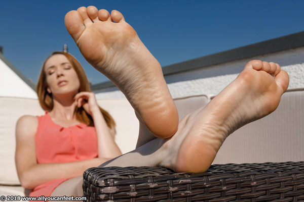 bigger preview pic from set 2469 showing Allyoucanfeet model Sam - New Model