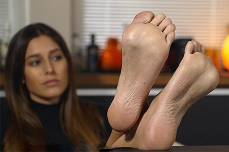 small preview pic number 5 from set 2514 showing Allyoucanfeet model July