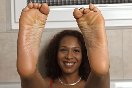 small preview pic number 2 from set 2516 showing Allyoucanfeet model Yazzi